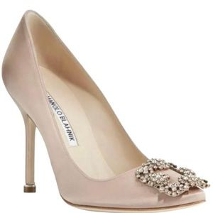 Manolo Blanik Hangisi Satin Pumps